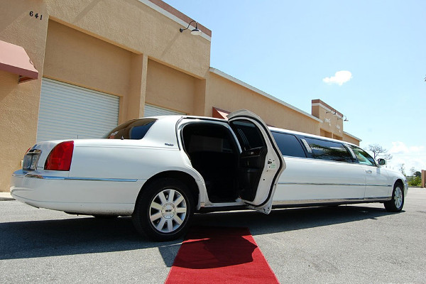 Coral Springs Lincoln Limos Rental