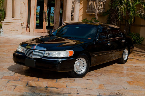 Lincoln Sedan Coral Springs Rental